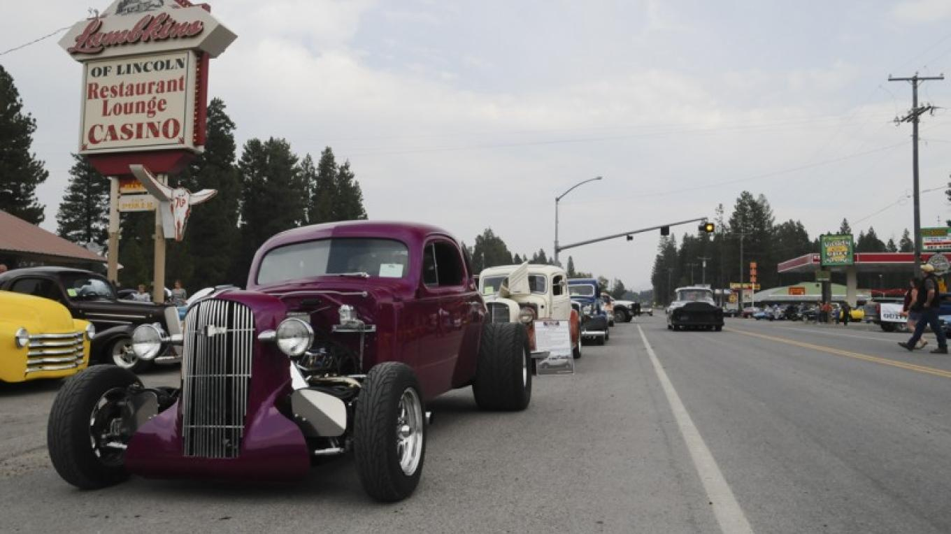 Classic car enthusiasts flock to Lincoln in September for the  Annual Lincoln Rod Run. – Roger M. Dey