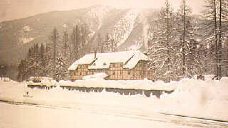 Izaac Walton Inn, Essex, Montana
