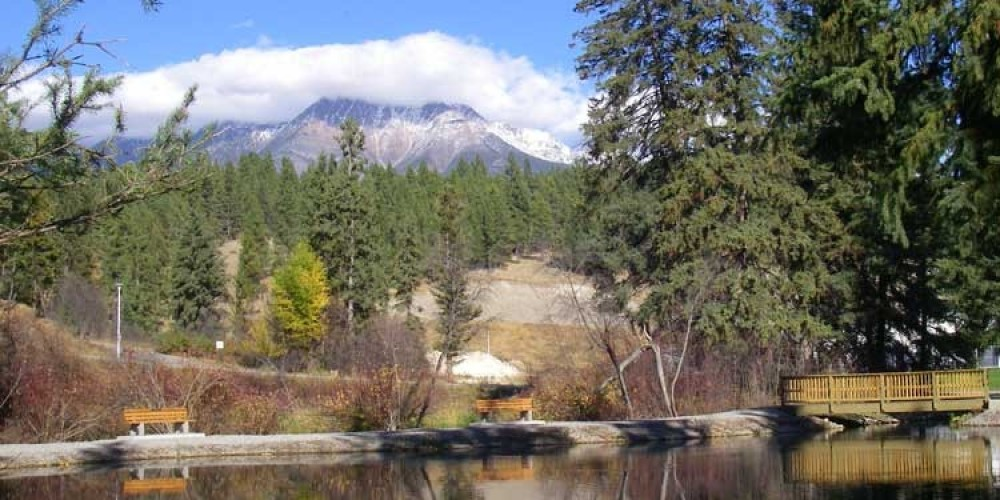 The fish pond with Bull Mountain backdrop. – Kootenay Trout Hatchery