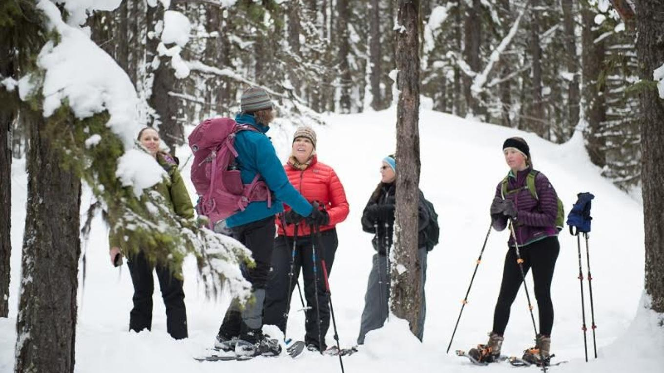 Winter snowshoe group – Heather Luedke