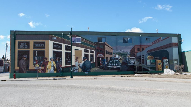 Downtown Pincher Creek Mural – Sheena Pate