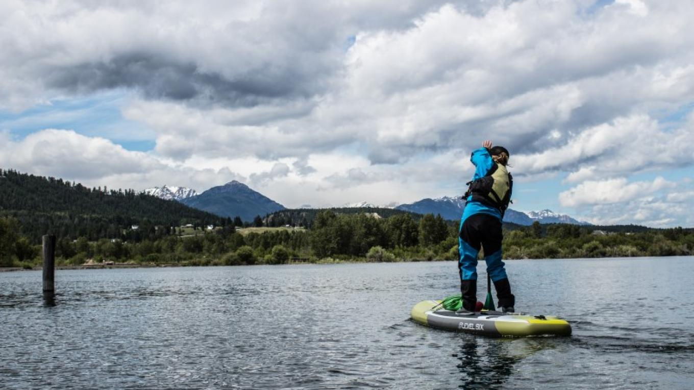 Stand up paddle boarding on the Columbia River and Lake Windermere. – Sheena Pate