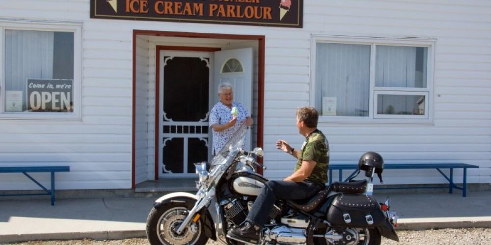 Glenwood Ice Cream Parlour – Courtesy AlbertaSW
