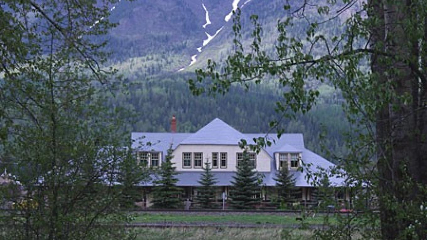 Fernie CPR Station restored to original colours. – David Thomas