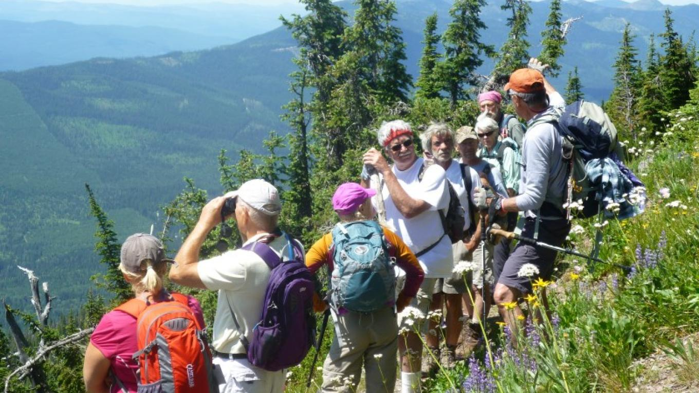 Discussing geology on the Whitefish Divide – Amy Robinson