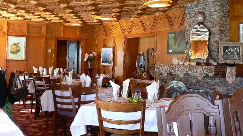 Dining room at Cobblestone Manor – Courtesy of Cobblestone Manor