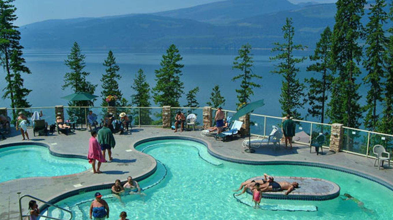 Halcyon Hot Springs Village & Spa is 68 km south of Revelstoke. – Halcyon Hot Springs