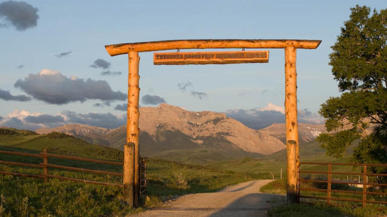 Main entrance gate to the TRMR – tonybynum.com