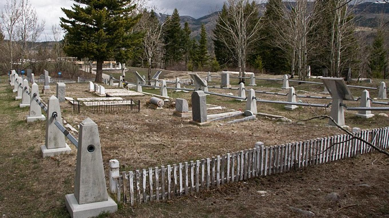 Common graves of miners who perished in the Hillcrest Mine disaster of 1914. – David Thomas