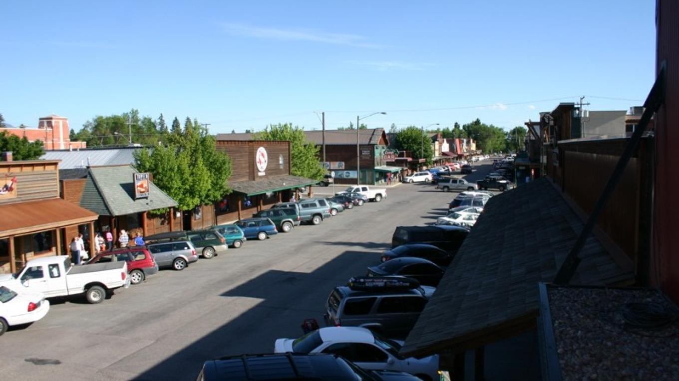 Central Avenue marks the primary shopping and dining scene in Whitefish and is the core of the community. – John Frandsen