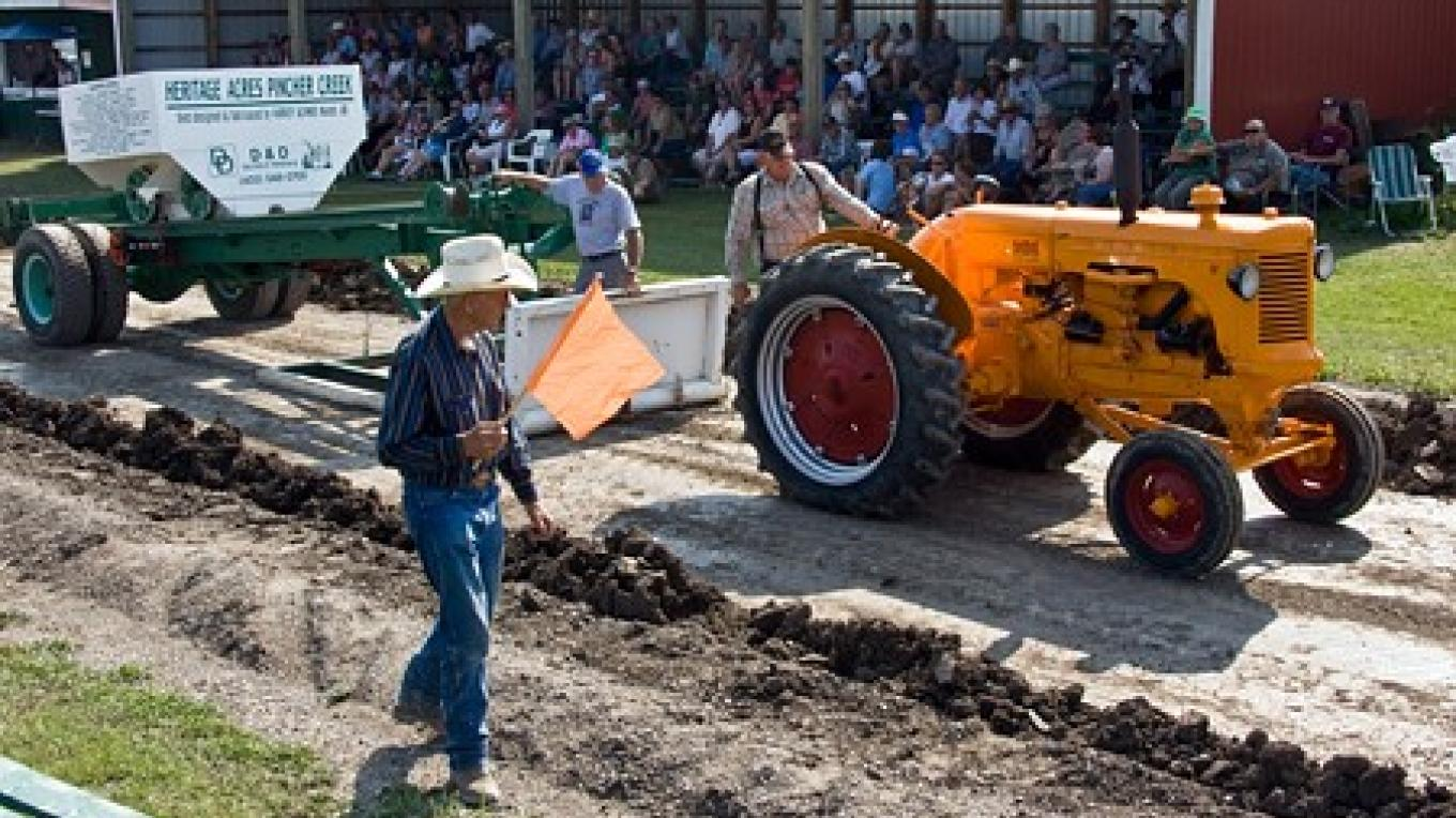 Vintage men and machines test their strength at annual show. – David Thomas