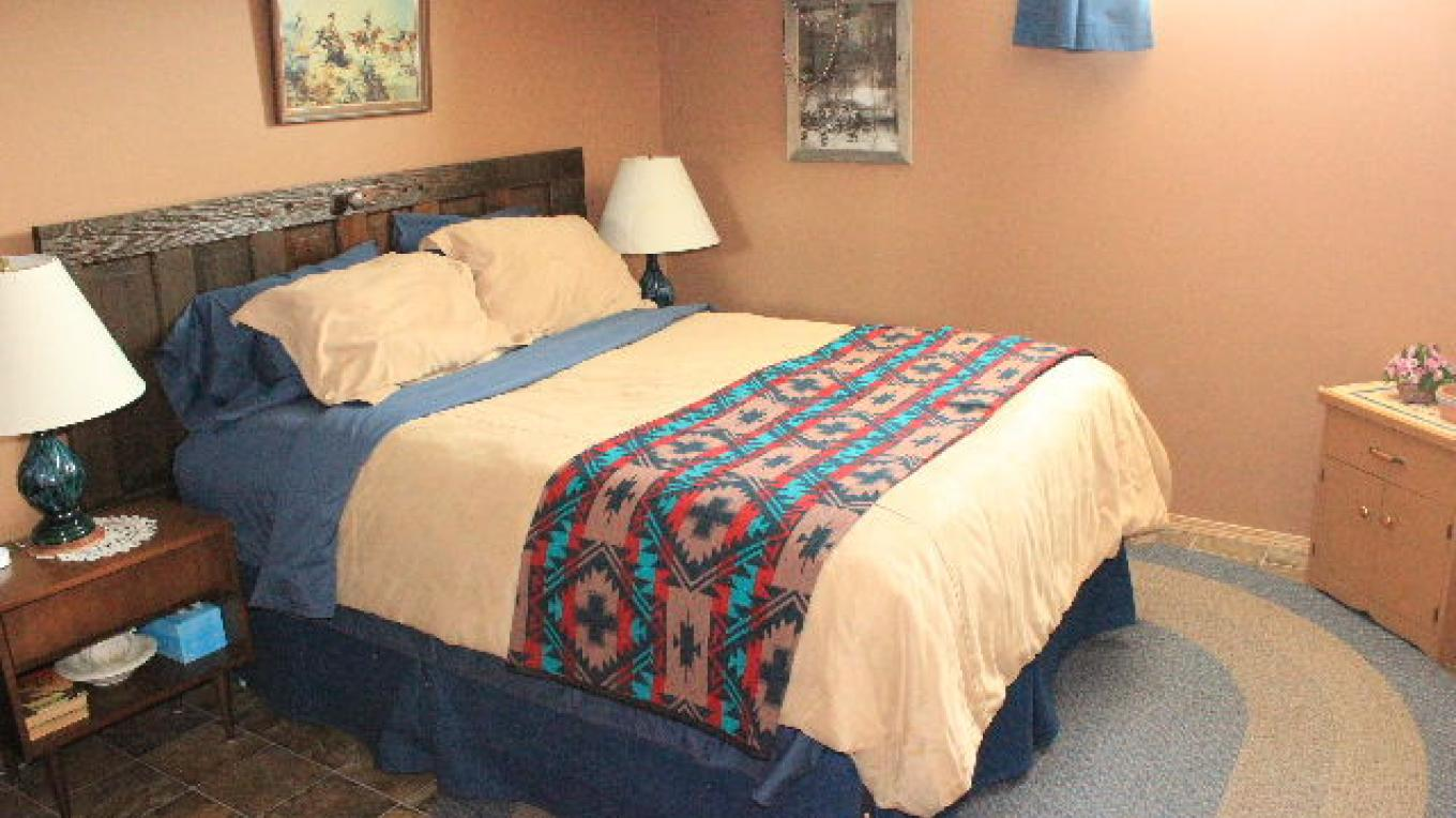 Buckskin and Blue Bedroom - has a private bathroom across the hallway. – Deb Webster