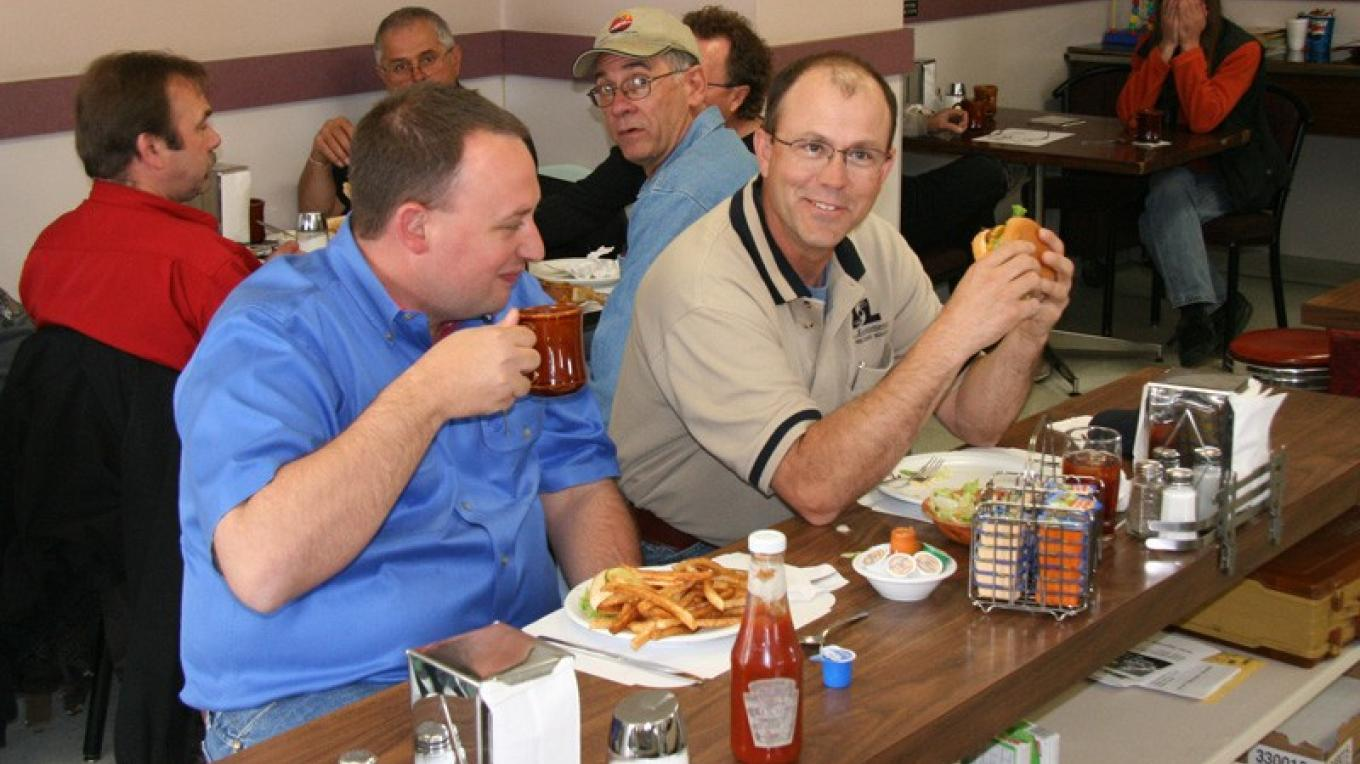 Unlike many American visitors, these sophisticates from Kansas and Texas know not to spoil their fresh french fries with ketchup. – David Thomas