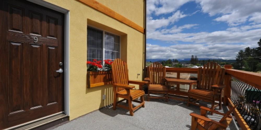 Elizabeth Lake Lodge
