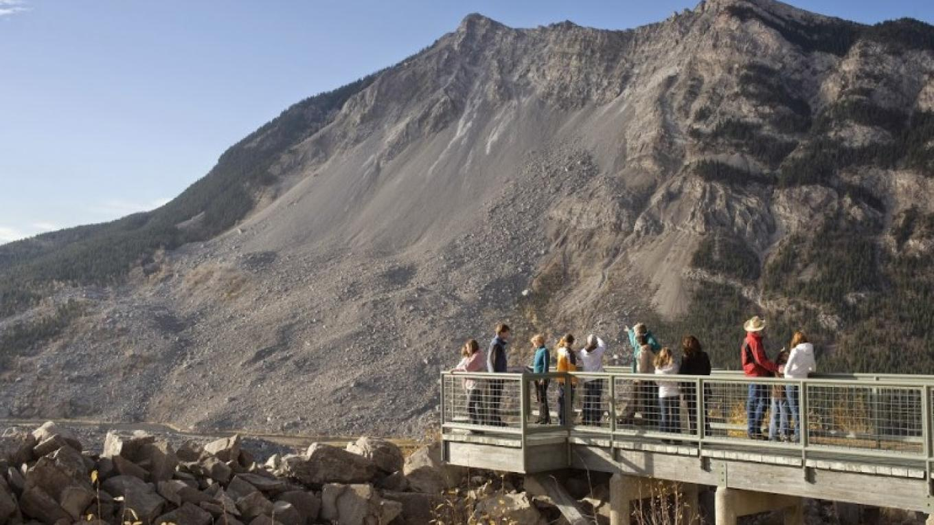 Visitors admire spectacular views of the Frank Slide – Courtesy Alberta Culture and Community Spirit