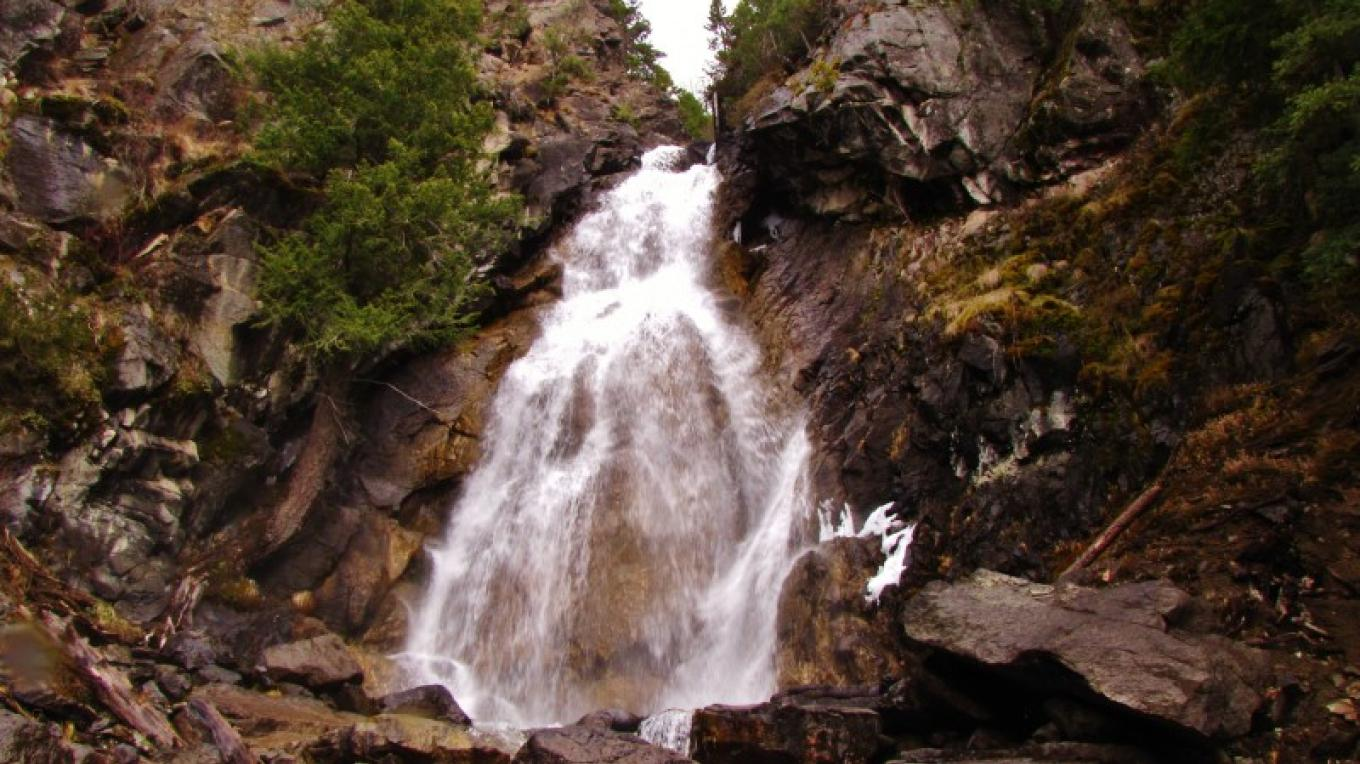 Holland Falls at the eastside of Holland Lake. – Adam Pate