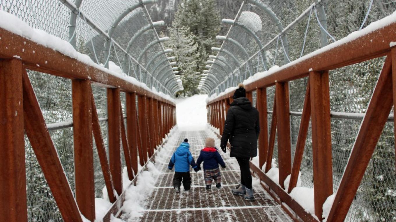 Winter family fun @ Izaak Walton Inn. – Sheena Pate