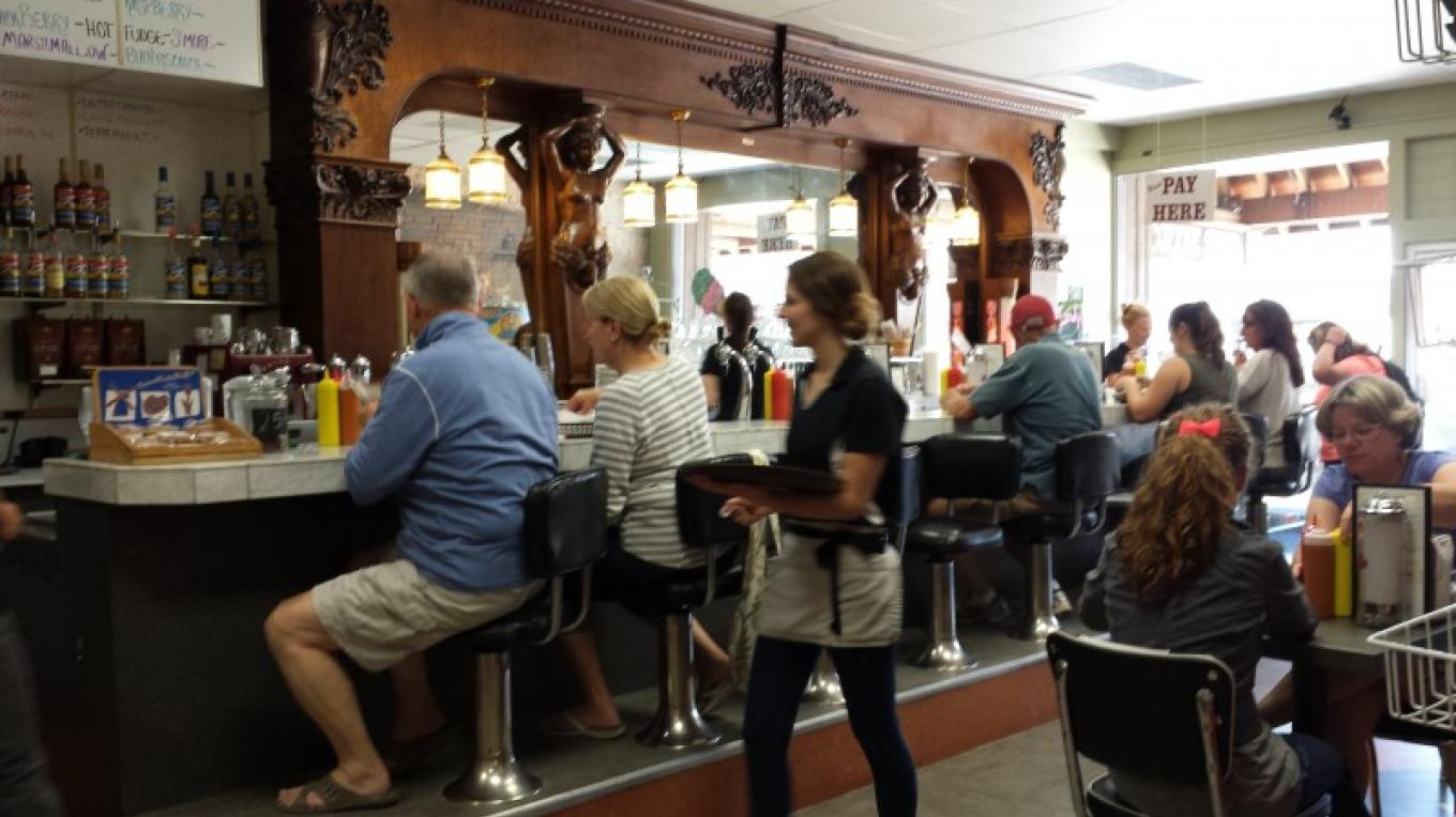 Norm's News Old Fashioned Diner – Sheena Pate