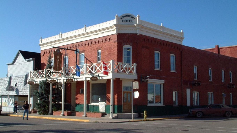 Auditorium Hotel, Nanton – David Thomas