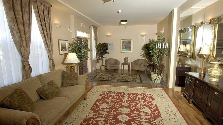 The Chateau Kimberley displays a sophisticated decor. – Chateau Kimberley