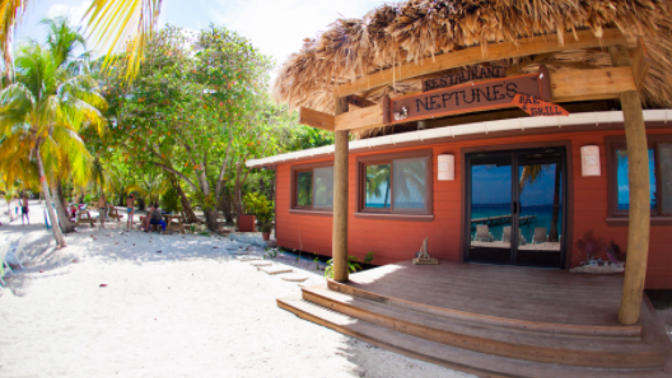 Welcome to Neptune's / Bienvenidos a Neptune's – Neptune's Beach Bar & Grill