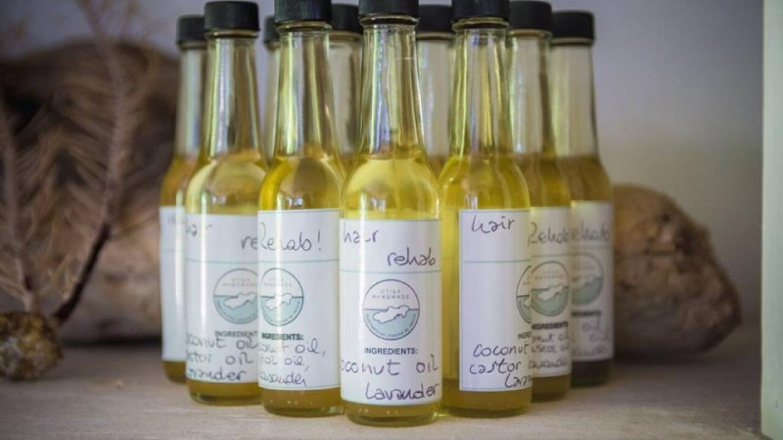 A collection of natural oils to help with Hair Rehab / Una colección de aceites naturales para darle una rehabilitación a tu cabello. – Utila Handmade Co-op