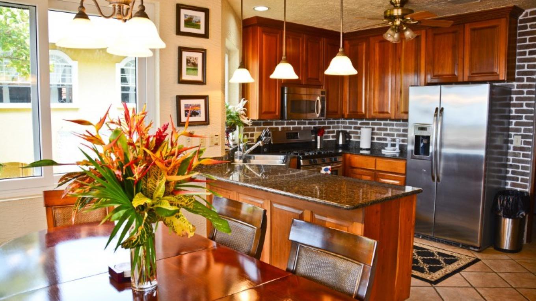 Casa Cascada kitchen – Ruth Healey-Elmore
