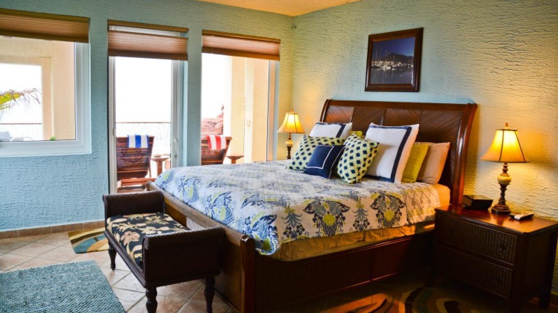 Master suite at Casa Cascada. – Ruth Healey-Elmore