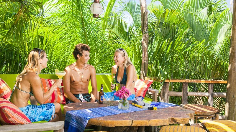 exotic garen dining! – devon Stephen's photography