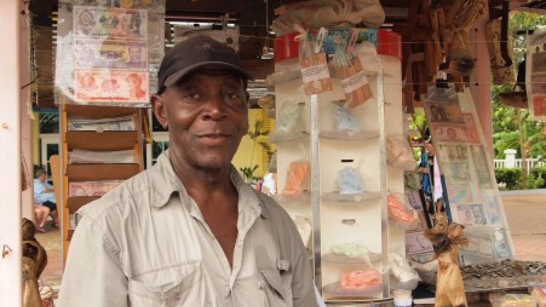 Local artisan Ronny Stanley. – Manlio Martinez