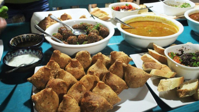 LALA plant-food buffet. 100% plant-based cuisine. – Layle Stanton