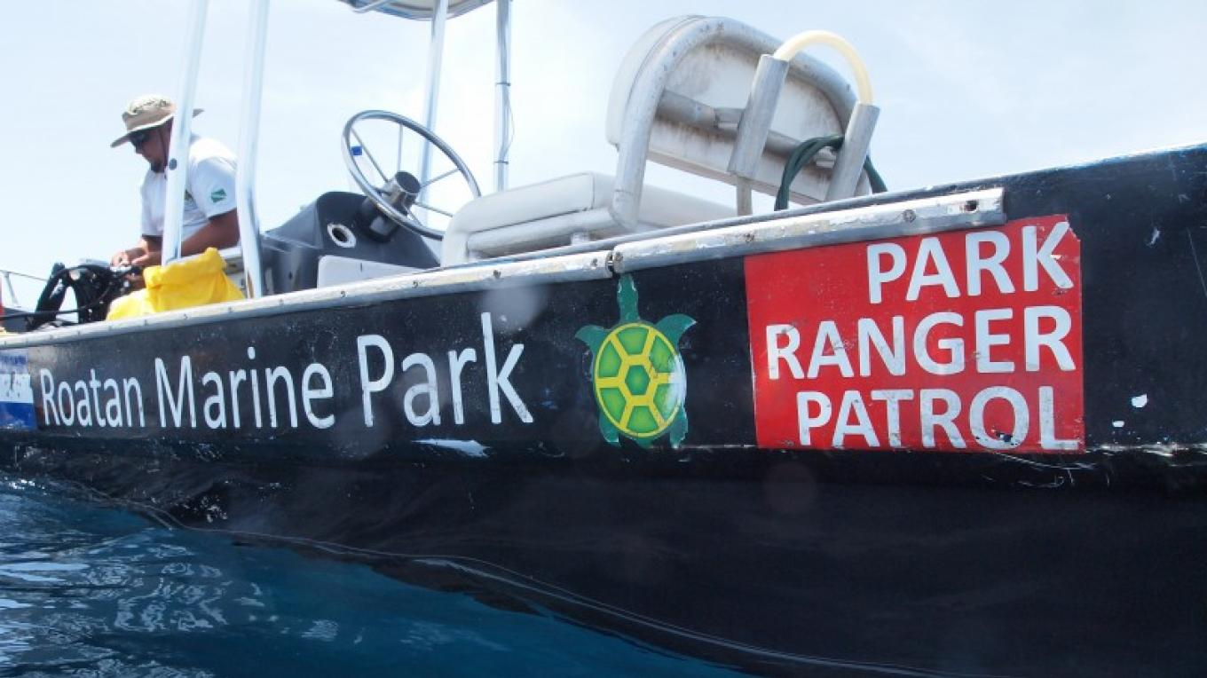 One of the RMP's main tasks is to patrol the Special Marine Protected Areas in Roatan that are part of the Bay Islands National Marine Park. – Manlio Martinez