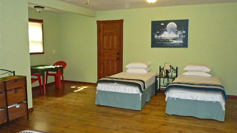 Upachaya dorm suite which can accommodate up to 4 guests / Esta suite en Upachaya puede acomodar hasta cuatro personas – Upachaya