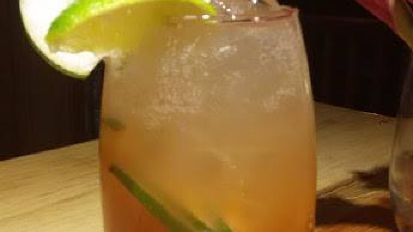 Craft cocktails using local fruits and flavours