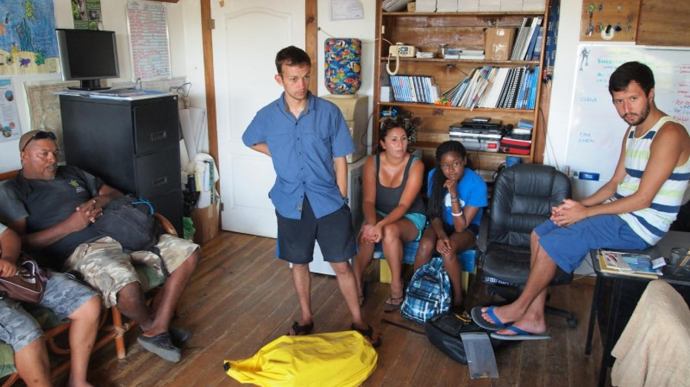 The RMP hosts and provides guidance for foreign students that visit Roatan to study marine life. – Manlio Martinez