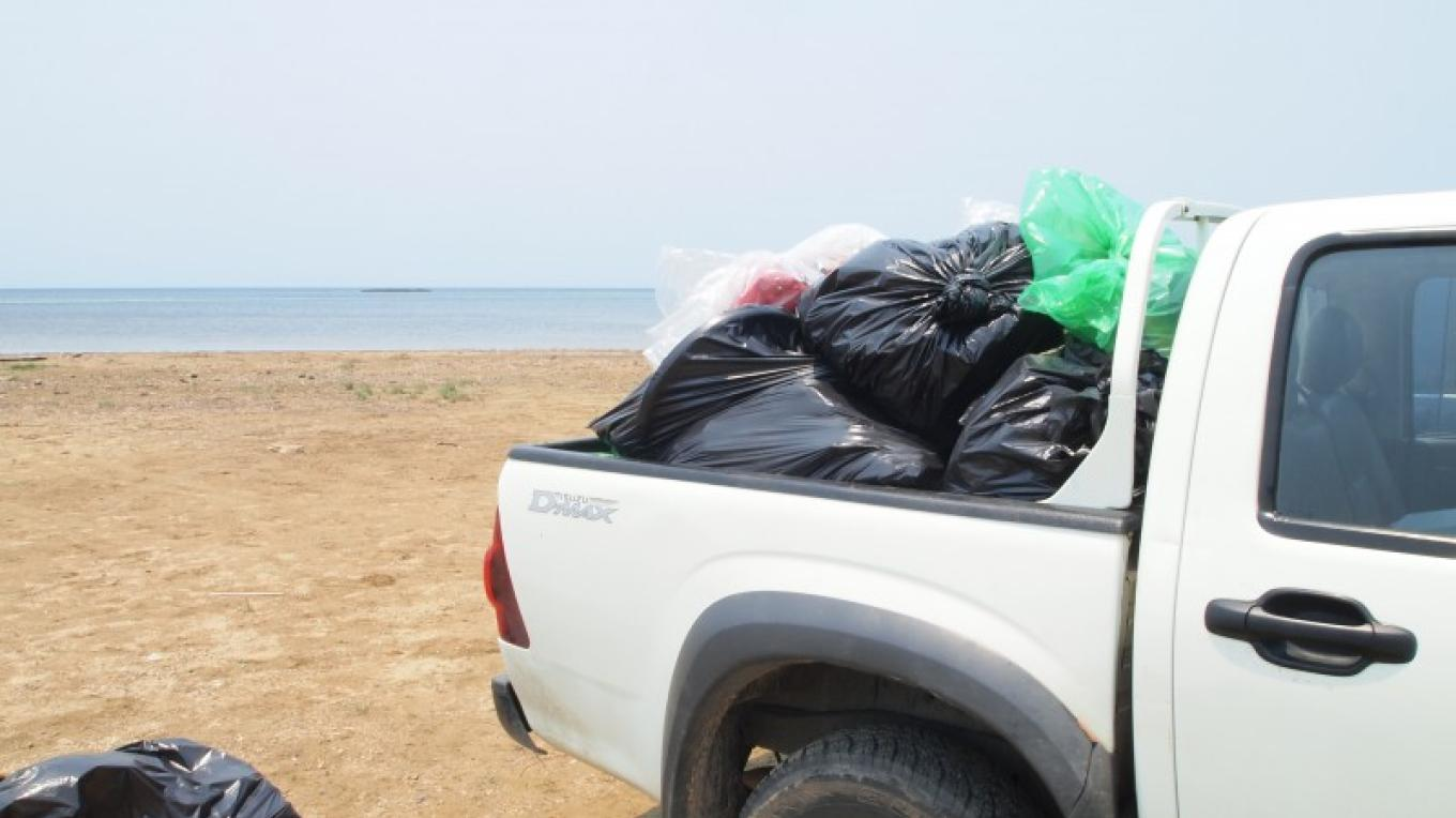 Truckload after truckload of all kinds of garbage being removed from Sandy Bay. – Manlio Martinez