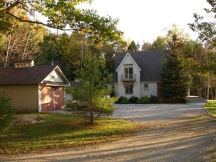 Water's Edge Retreat - 3BR/3BA - Waterfront Cottage