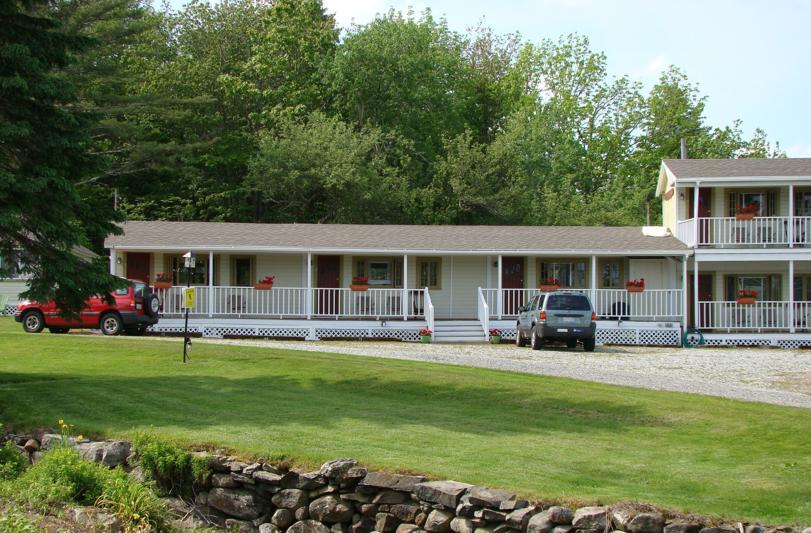 Motel has veranda and rocking chairs with views to Penobscot Bay