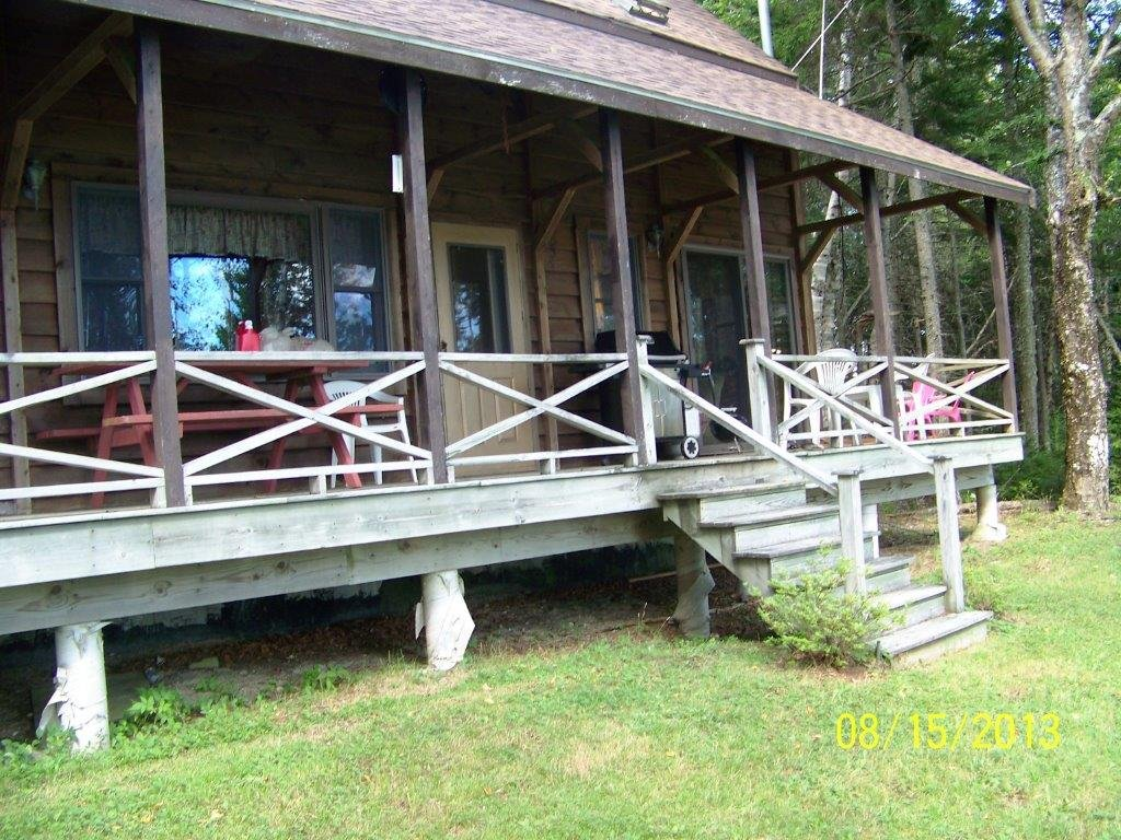 Duck Cove Cottage Front Porch from Front