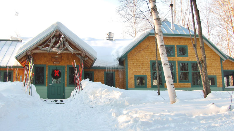 How to have an Unforgettable Winter Hut Trip in Maine's Lakes and Mountains