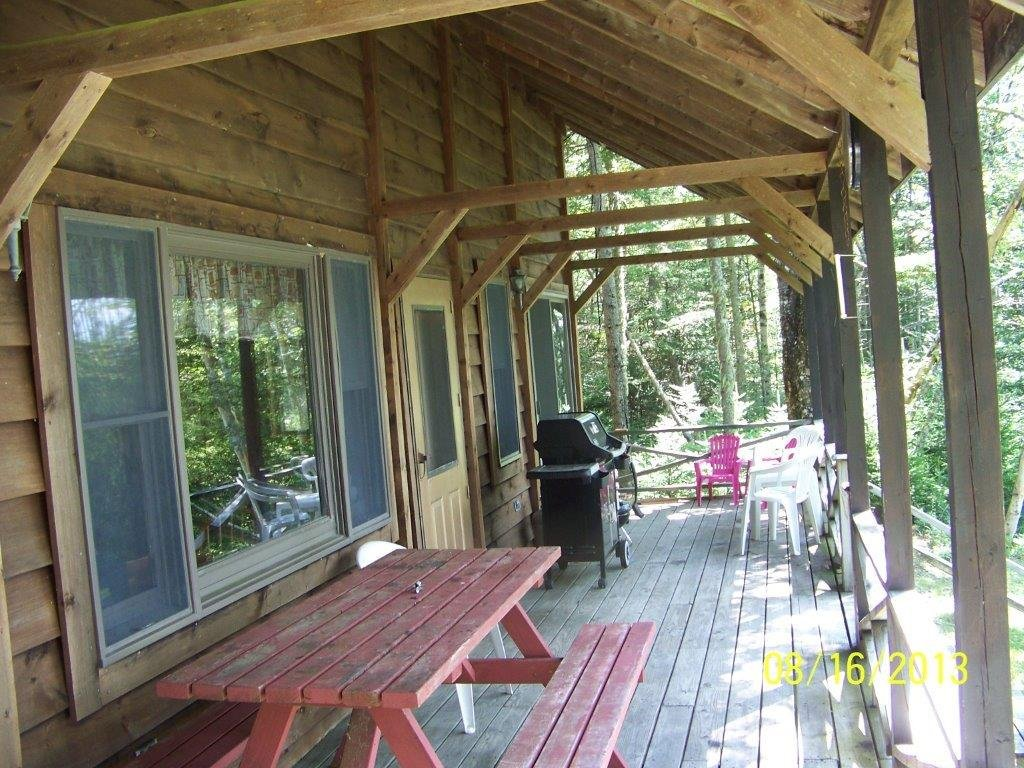 Duck Cove Cottage Front Porch from side