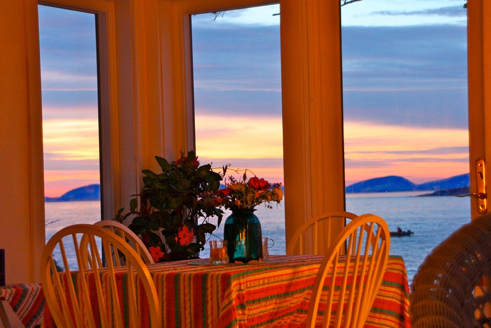 Have a romantic dinner while watching the changing sunset light over the mountains.