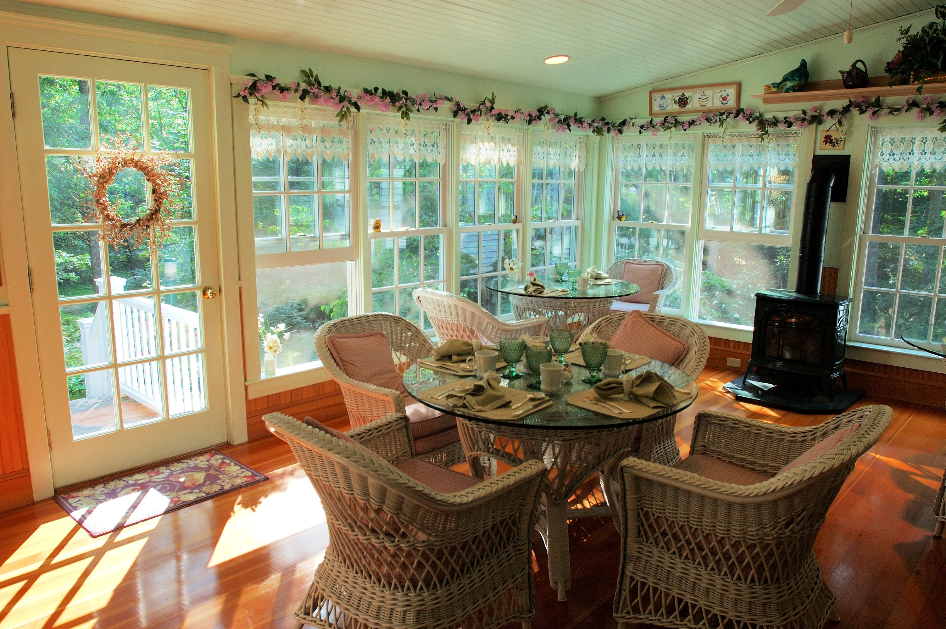 The breakfast porch