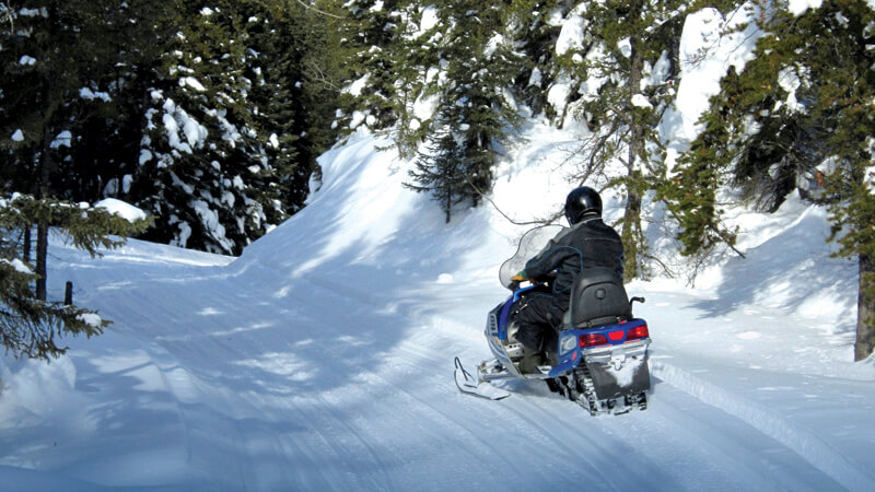 Beginner or Pro: Top 6 Reasons You Should Go Snowmobiling in Maine's Lakes and Mountains