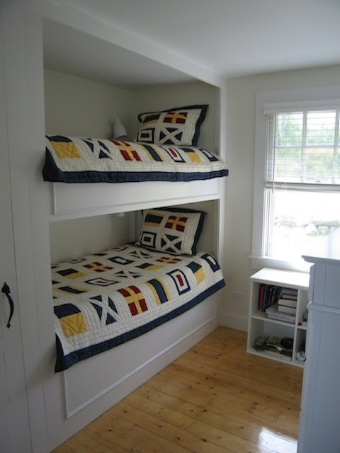 """Signal Flags"" bedroom (guests may only use lower bunk)"
