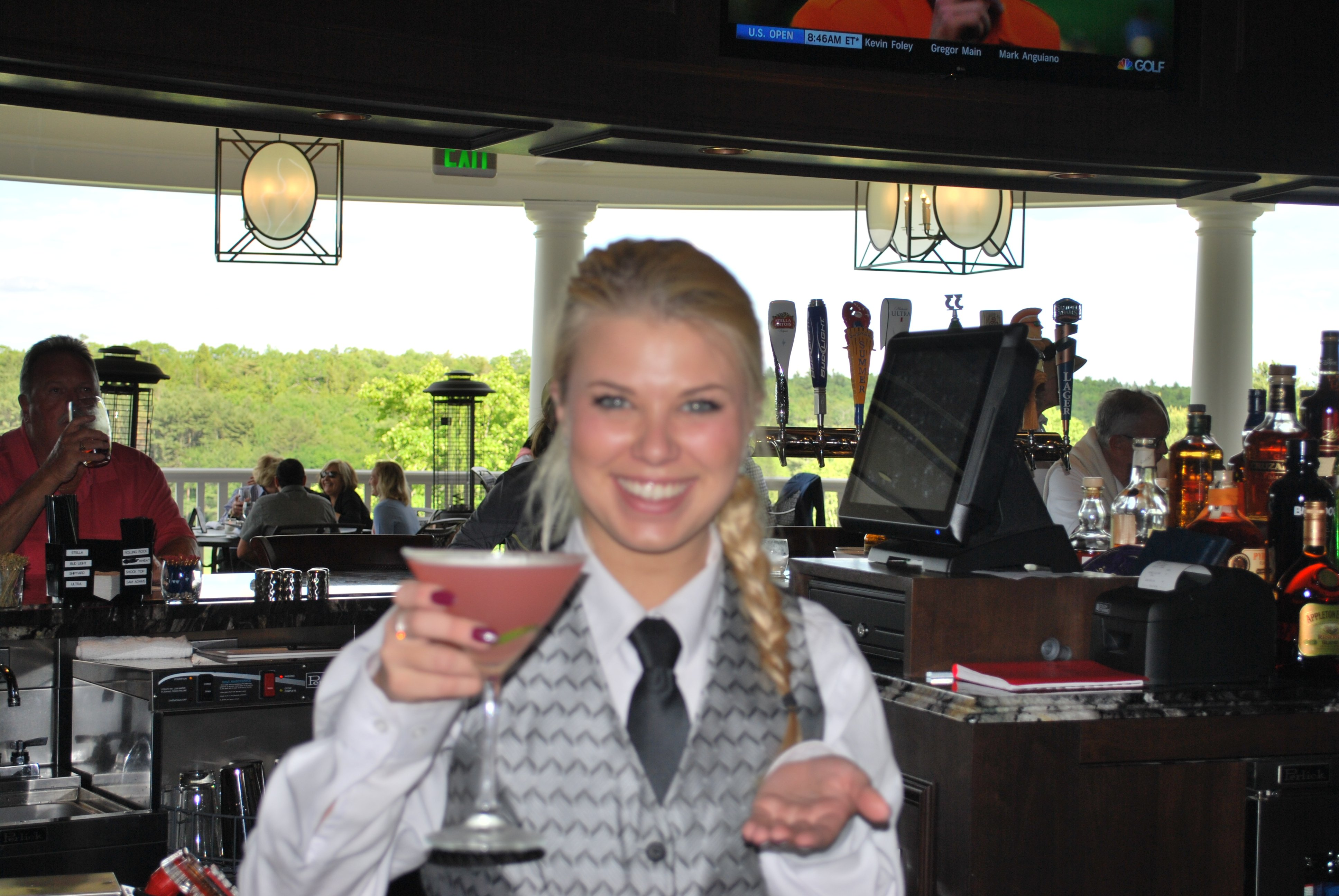 Specialty cocktails served in our beautiful bar or on our heated terrace overlooking the golf course.
