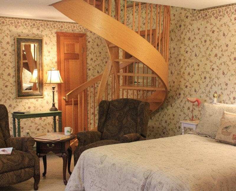Bowdoin Room - fireplace, private entrance, private bathroom with shower.