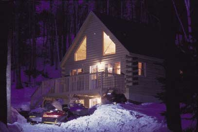 Deluxe 4 bedroom private log cabins at trailside are waiting for you.