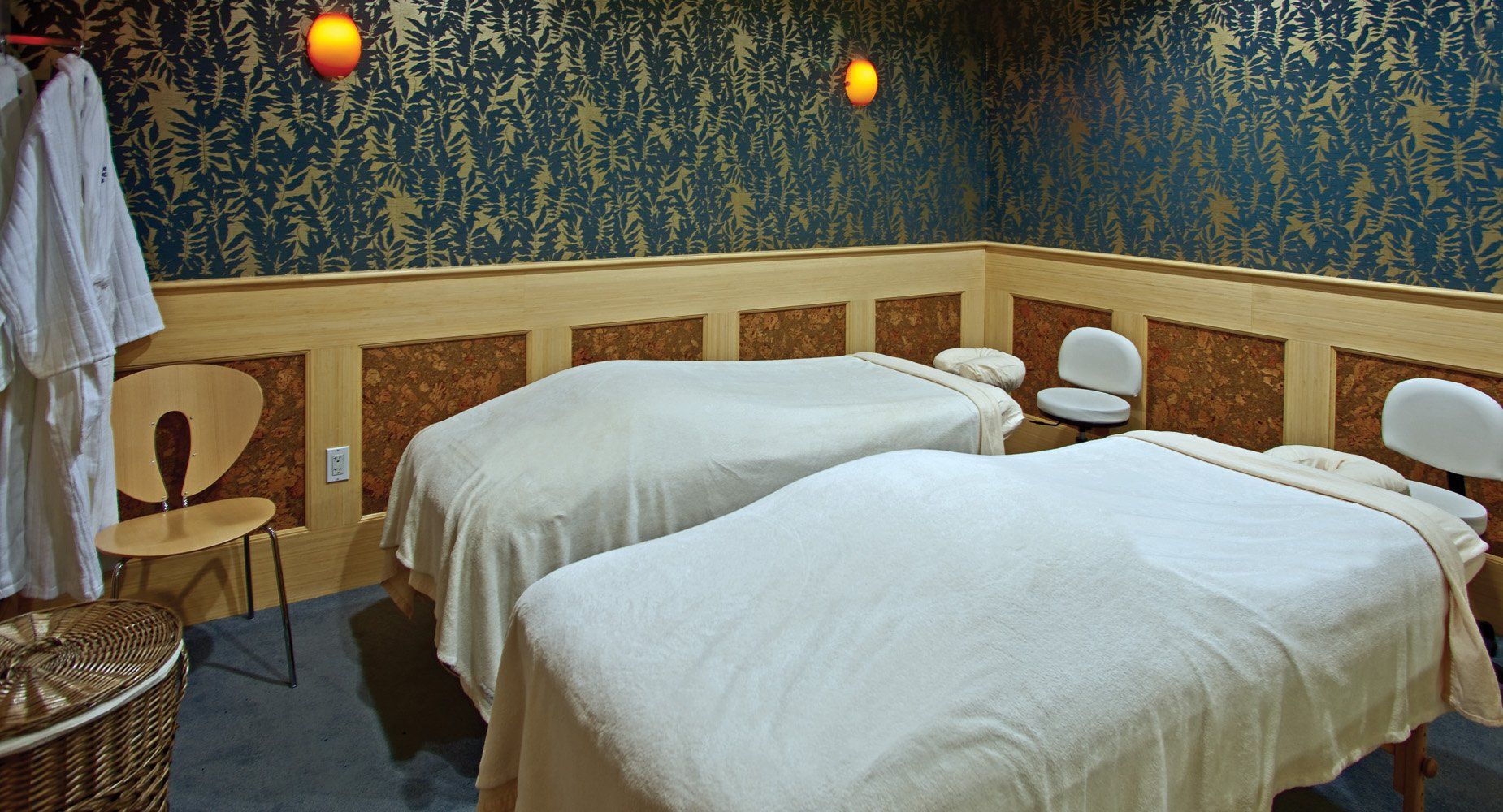 The Spa at Stage Neck is open to the general public. There are specials on weekdays during the off-seasons.