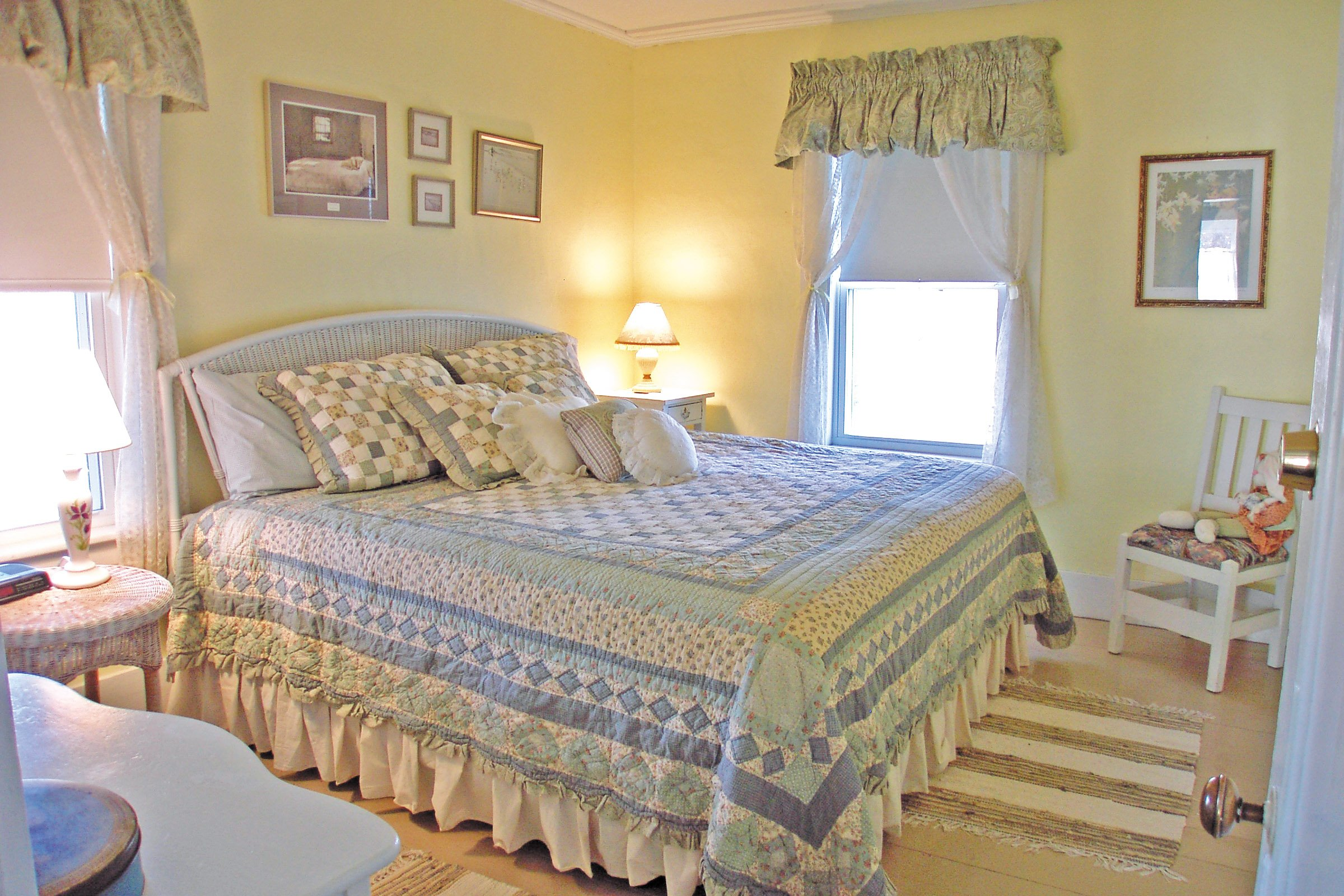 Guestroom #2, One king size bed
